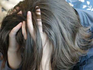 Bakıda 16 yaşlı qız onu zorlayan oğlandan hamilə qaldı