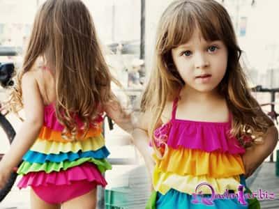Uşaqlar üçün rəngarəng bikinilər