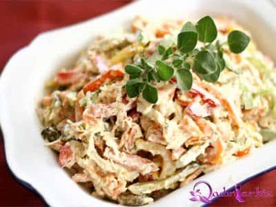 Bolqar bibərli toyuq salatı resepti