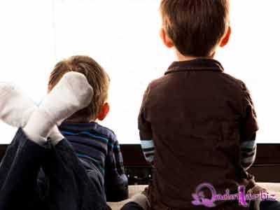 Uşaqların inkişafını ləngidən 8 əşya