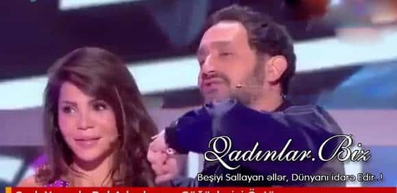 Canlı yayımda BİABIRÇILIQ - Aktrisanın sinəsin öpdü - VİDEO